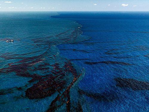 Burtynsky_oil_spill_9_oil_slick_at_rip_tide_gulf_of_mexico_2010_lg